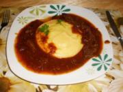 Tiroler Rindsgulasch auf cremiger Polenta - Rezept