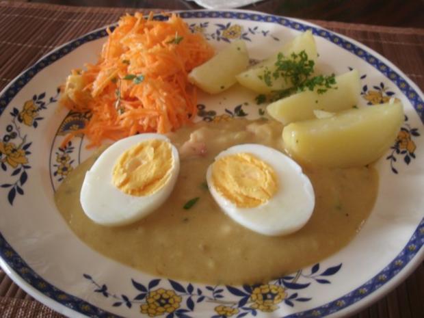 Saure eier mit senfsoße