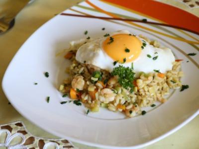 Bratreis mit Shrimps und Eiern - Rezept