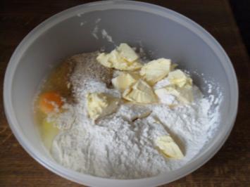 Kuchen: Mürbeteig  mit Mandeln - Rezept