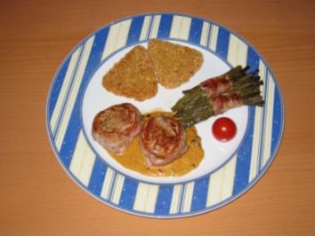Schweinefiletmedallions an roter Pfeffersauce mit Speckböhnchen - Rezept