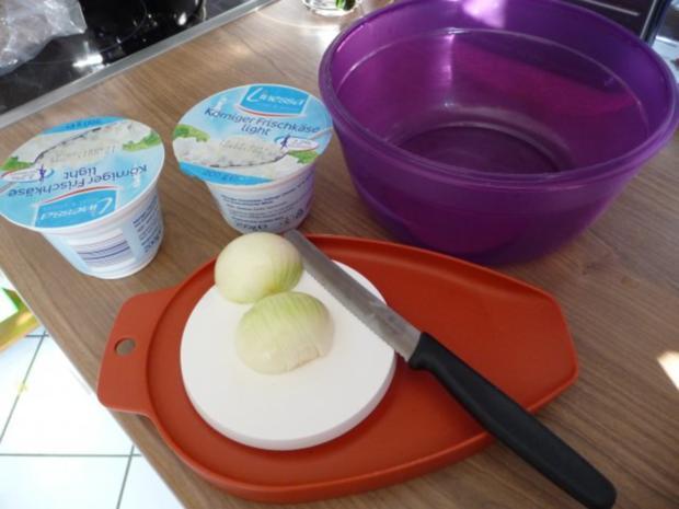 Fixe Küche : Pellkartoffeln mit Kräuterquark und Gurkensalat - Rezept - Bild Nr. 2