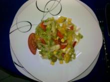 Salat: Bunter Herbstsalat mit Chilli-Oliven - Rezept