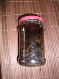 Schwarze Rumrosinen - Rezept