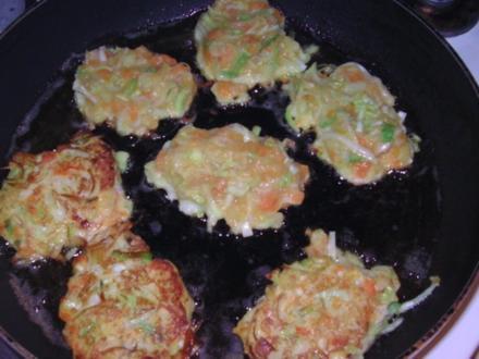 Lauch-Kartoffel-Möhren-Bratlinge - Rezept