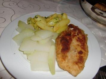 Panierte Hähnchenbrust auf Zucchini-Kohlrabigemüse mit gerösteten Petersilienkartoffeln - Rezept