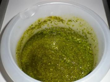 Pinienkern - Parmesan - Basilikum - Pesto - Rezept