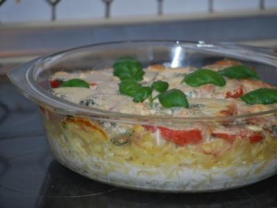 Tomaten-Nudel-Auflauf mit Basilikum-Rahm und Mozarella - Rezept