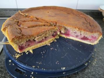 Mutti's Grieskirschenkuchen - Rezept
