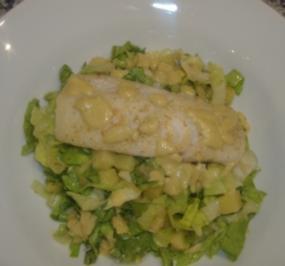 Kartoffel-Endivien-Salat mit Fischfilet und Senfsauce - Rezept