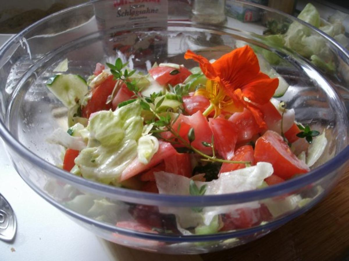 gemischter salat mit zitronenpfeffer rezept. Black Bedroom Furniture Sets. Home Design Ideas