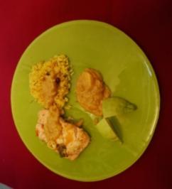 Lachssteaks mit Mango-Salsa, gelbem Reis und tropischem Salat (Allegra Curtis) - Rezept