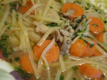 kräftige Hühner Suppe - Rezept