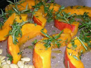 Kürbisspalten gebacken mit frischen Kürbiskernen - Rezept