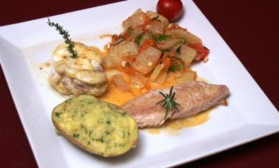 Variation vom Fisch an Fenchel-Tomaten-Gemüse an Weißweinsoße mit Mamas Kartoffeln - Rezept