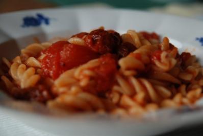 Fusilli mit Ricotta und Bombolinotomatensoße - Rezept