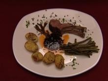 Karree vom Lamm mit Prinzessbohnen in Pancetta an Rosmarinkartoffeln (Winfried Glatzeder) - Rezept