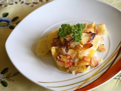 Steckrüben-Kartoffel-Gratin mit karamellisierten Äpfeln - Rezept
