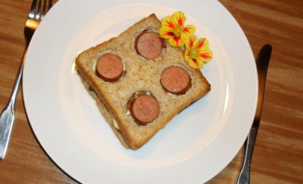 hot dog toast rezept mit bild. Black Bedroom Furniture Sets. Home Design Ideas