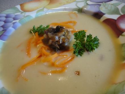 samtige Kartoffel Suppe mit Steinpilzen - Rezept