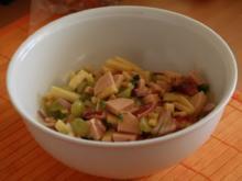 Wurst-Käse-Salat mit Weintrauben - Rezept