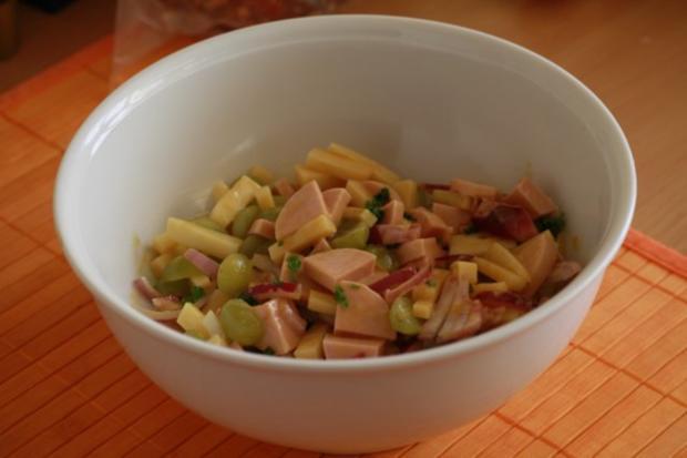 Wurst Käse Salat Mit Weintrauben Rezept Kochbarde