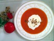 Ludwig's Tomatensüppchen mit Gin und Pinienkernen - Rezept