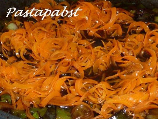 Filet mit Fächerkartoffeln und Balsamico-Möhren-Spaghetti - Rezept - Bild Nr. 7