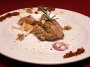 Gefülltes Schweinefilet, dazu gebackene Kartoffeln aus dem Ofen - Rezept