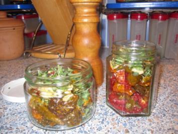 Getrocknete Tomaten aus dem Garten, eingelegt in Olivenöl - Rezept