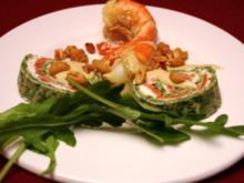 Scampi auf Spinat-Lachs-Crêpes mit Honig-Senf-Dill-Soße, Rucola und Erdnüssen - Rezept