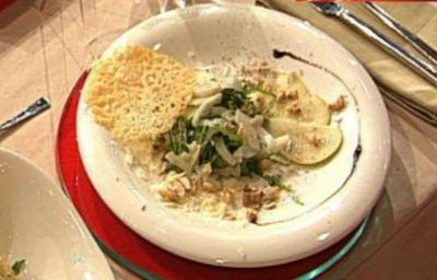 Birnen-Fenchelsalat mit Parmesan-Chips (Antonia Langsdorf) - Rezept