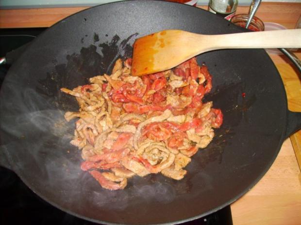Scharfes Rindfleisch mit Zwiebeln - Rezept - Bild Nr. 4