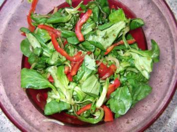 Feldsalat mit Paprika Dieter´s Art - Rezept