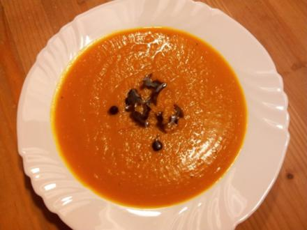 Kürbissuppe mit Ingwer und Sahnemeerettich - Rezept