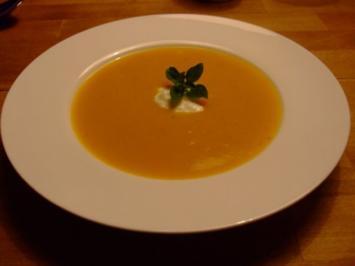 Kürbis-Kartoffel-Suppe mit Vanille, Ingwer und Orange - Rezept