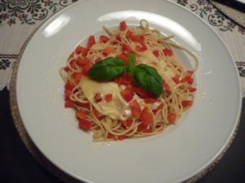 Rezept: Pasta : Spaghetti aglio e olio mit Paprika und Chilli