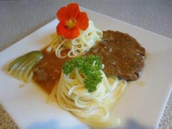 Rostbraten mit Zwiebel Sauce - Rezept