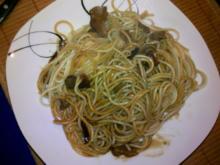 Nudeln: Ostasiatische Pilzsoße auf Spaghettis - Rezept