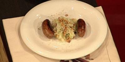 Rezept: Schinken-Dattel-Bratwurst mit Kohlrabisalat (Claudia Effenberg)