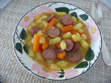 Suppen & Eintöpfe : Kartoffelsuppe mit Schwarzwälder Bauernwürstchen - Rezept