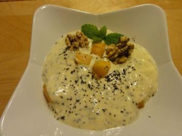 Mango-Joghurt mit Mohn und Walnuss - Rezept