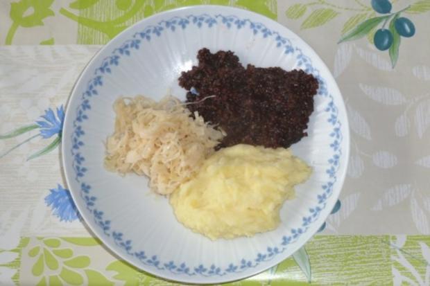Grützwurst mit Rahmsauerkraut und Kartoffelpüree - Rezept - Bild Nr. 6