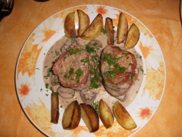 Schweinemedaillons mit Champingonsauce und Kartoffeln - Rezept