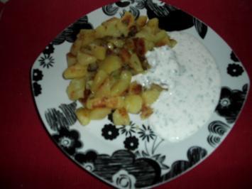 Deftige Kartoffelpfanne mit Kräuterquark - Rezept