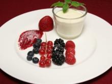 Variationen von frischen Beeren an Zitronencrème - Rezept