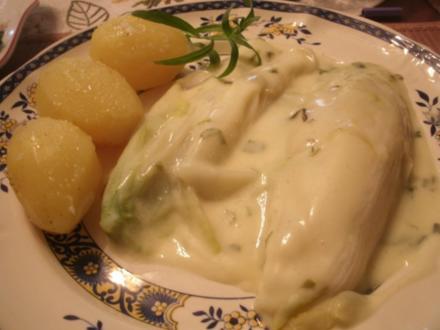 Chicoree in Estragon-Weißweinsoße - Rezept