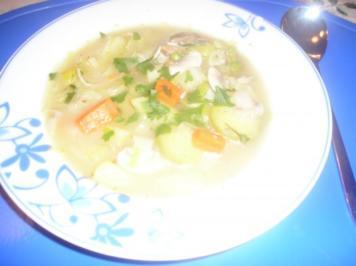 Rezept: Gemüsesuppe mit Champignons und getrockneten Steinpilzen