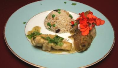 Loup de Mer in Kokos-Koriander-Thaisoße mit Basmati-Reis-Timbale, dazu Ingwer-Chicorée - Rezept