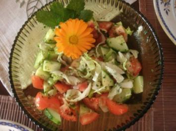 Kleiner gemischter Salat in Kräutervinagrette - Rezept